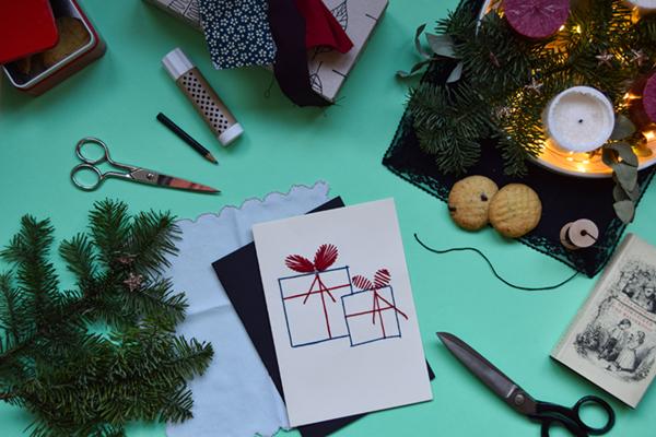 Last Minute Weihnachtskarten DIY  Flatlay mit Materialien