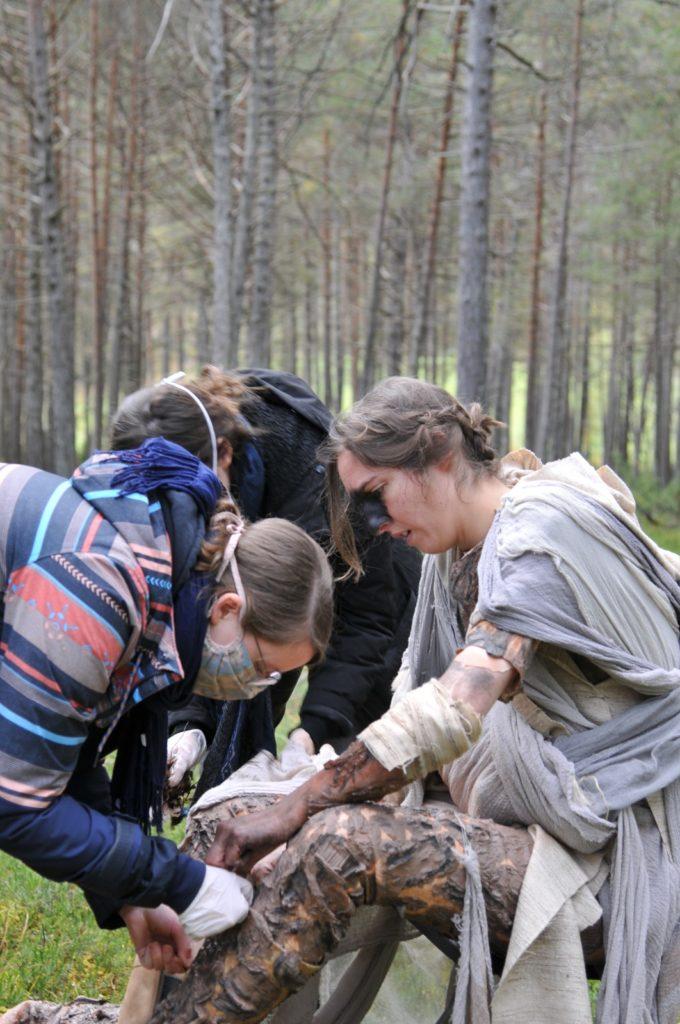 Kostümbildnerin am Film Set für einen Kurzfilm